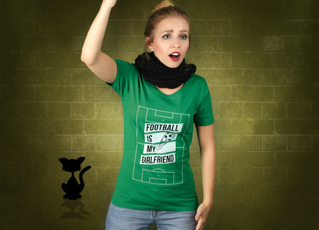 Damen T-Shirt Football Is My Girlfriend