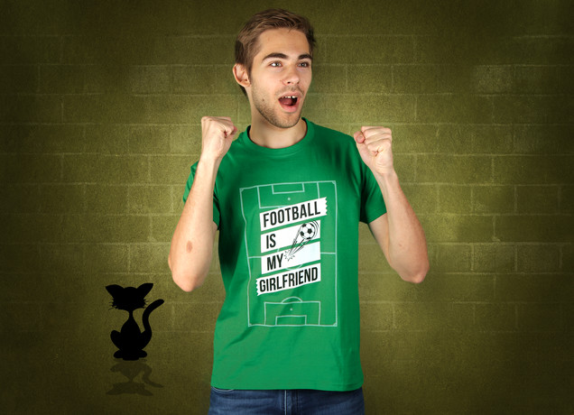 Herren T-Shirt Football Is My Girlfriend