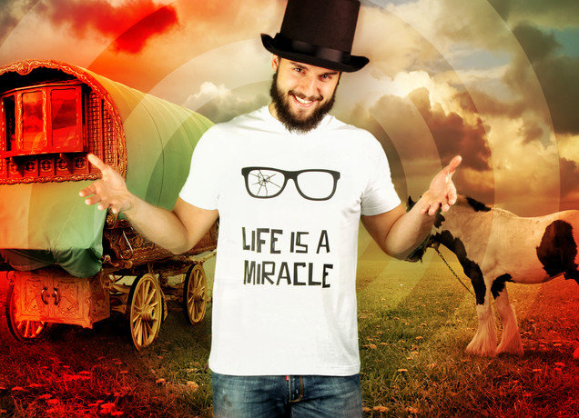 Herren T-Shirt Life Is A Miracle