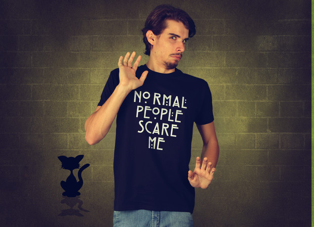 Herren T-Shirt Normal People Scare Me